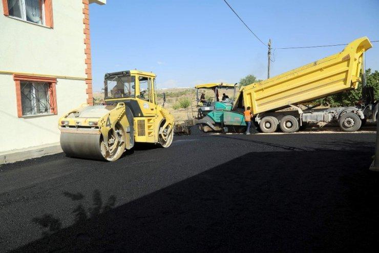 Fatih mahallesinde sıcak asfalt çalışmasına başlandı