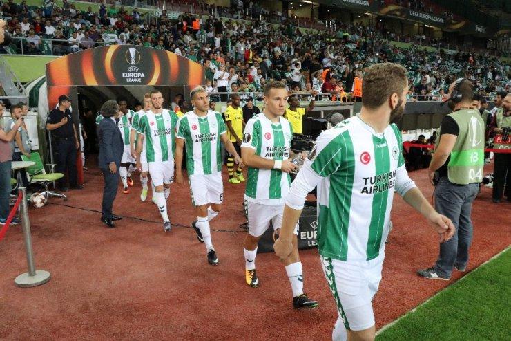 UEFA Avrupa Ligi: Atiker Konyaspor: 1 - Vitoria Guimaraes: 0 (İlk yarı)