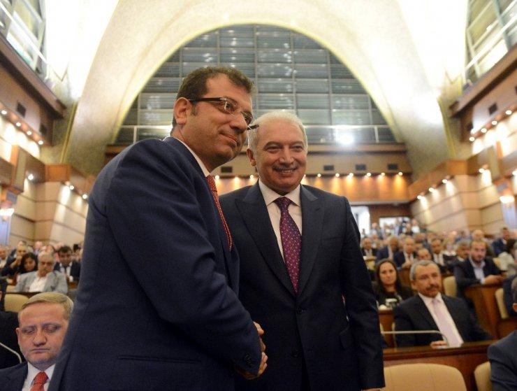 İstanbul Büyükşehir Belediye Başkanı Mevlüt Uysal tebrikleri kabul etti