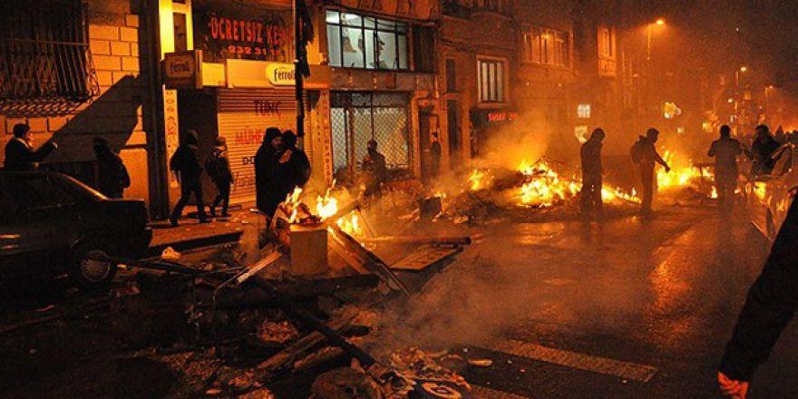 Beyoğlu'nda silahlı kavga 1 ölü, 2 yaralı