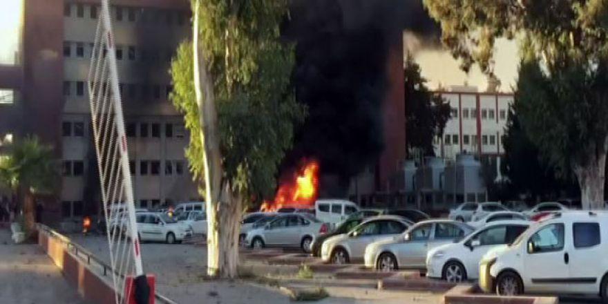 Adana'da Valilik otoparkında patlama Çok sayıda yaralı var