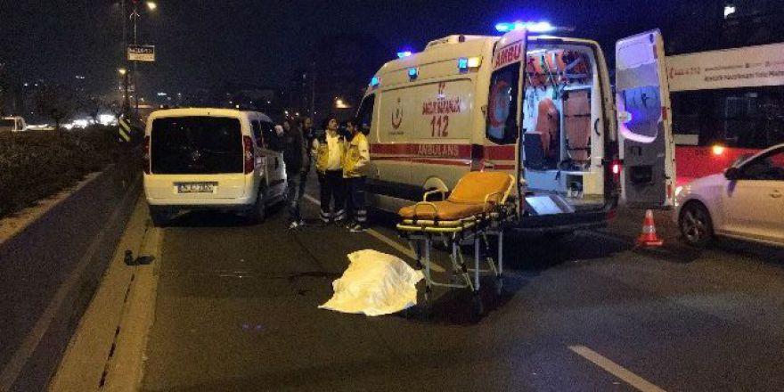 Bayrampaşa'da feci kaza: Anne ve kızı öldü