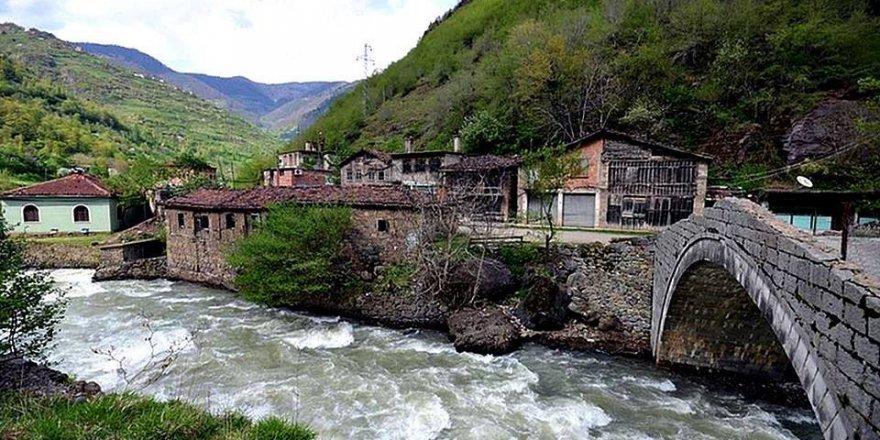 Araklı Taşgeçit Köyü Videosu