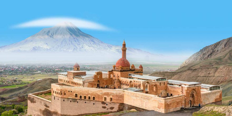İshak Paşa Sarayı | Ağrı Dağı Efsanesi